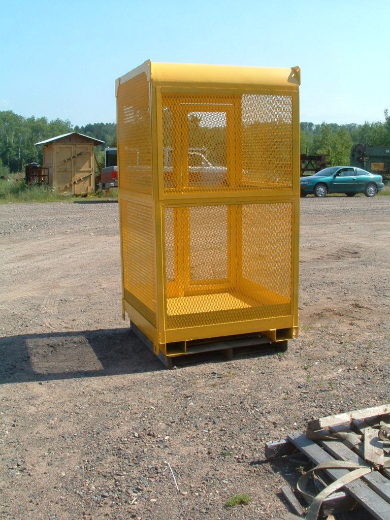 personnel-basket-screened-completely-001-768x1024